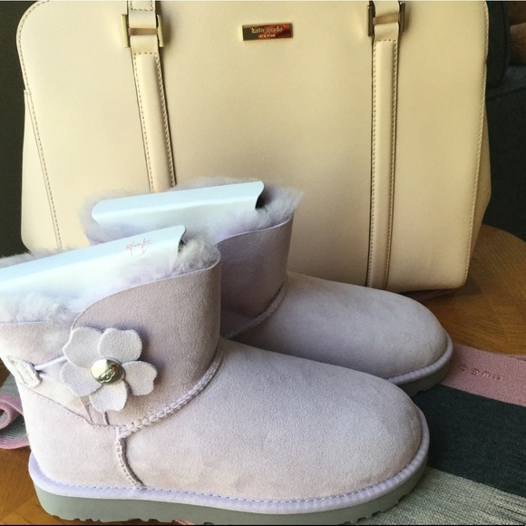 fa76103d40a ‼️FLASH SALE‼️ UGG Kids Mini Bailey Button Poppy NWT